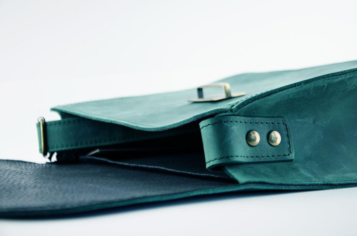 Saddle soma L Zili-zaļa